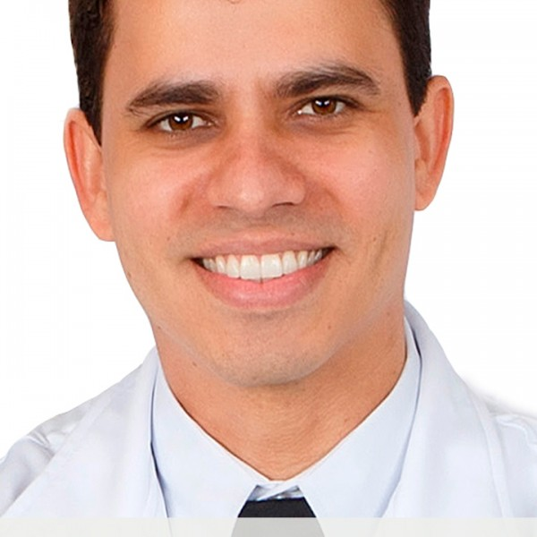 Dr. Vitor Angelo